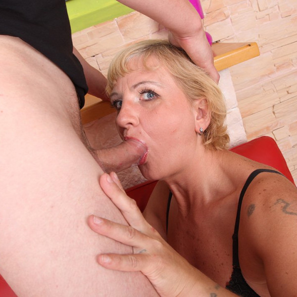 AMAZING MILF ANAL SEX - Photo 6 / 16