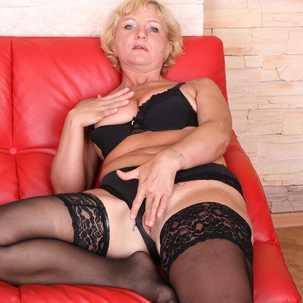 AMAZING MILF ANAL SEX - Photo 1 / 16